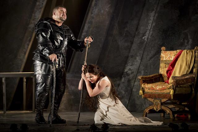 Dimitri Platanias as Rigoletto and Ekaterina Siurina as Gilda in Rigoletto © Johan Persson/ROH 2012
