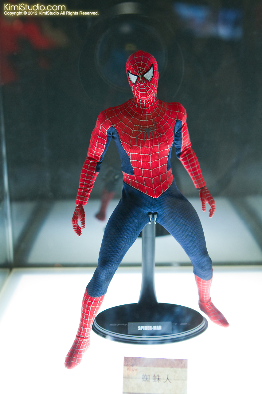 2011.11.12 HOT TOYS-035