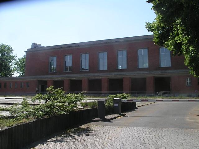 1937 38 berlin hallenschwimmbad kaserne 1 ss panzer for Finckensteinallee schwimmbad