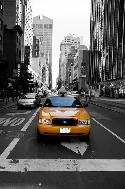 New york city yellow cab black and white flickr for Schuhschrank yellow cab