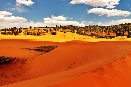 pink mountains utah sand dunes