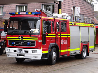 Hampshire Fire & Rescue Service - 45 Ringwood Volvo Water Tender ( HV52 XOF )