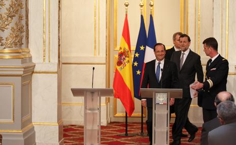 12e23 Rajoy en el Elíseo 1_0009 variante Uti