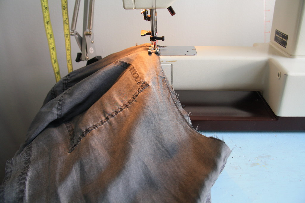 sewing saturday - upcycling a vintage maxi
