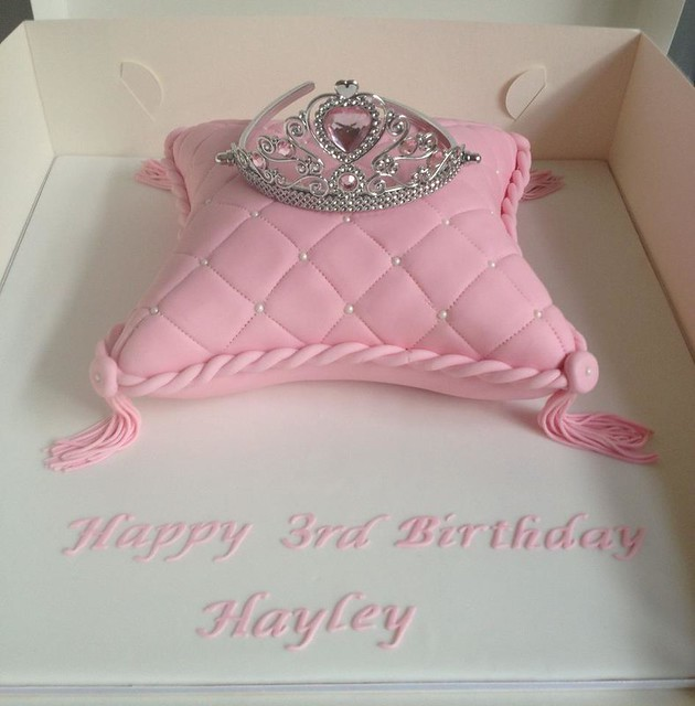Princess Pillow Cake Images : 7374454696_f66fe72026_z.jpg
