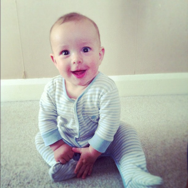 Woohoo. I captured the first time Elliot got himself into a sitting position! Proud mama! X