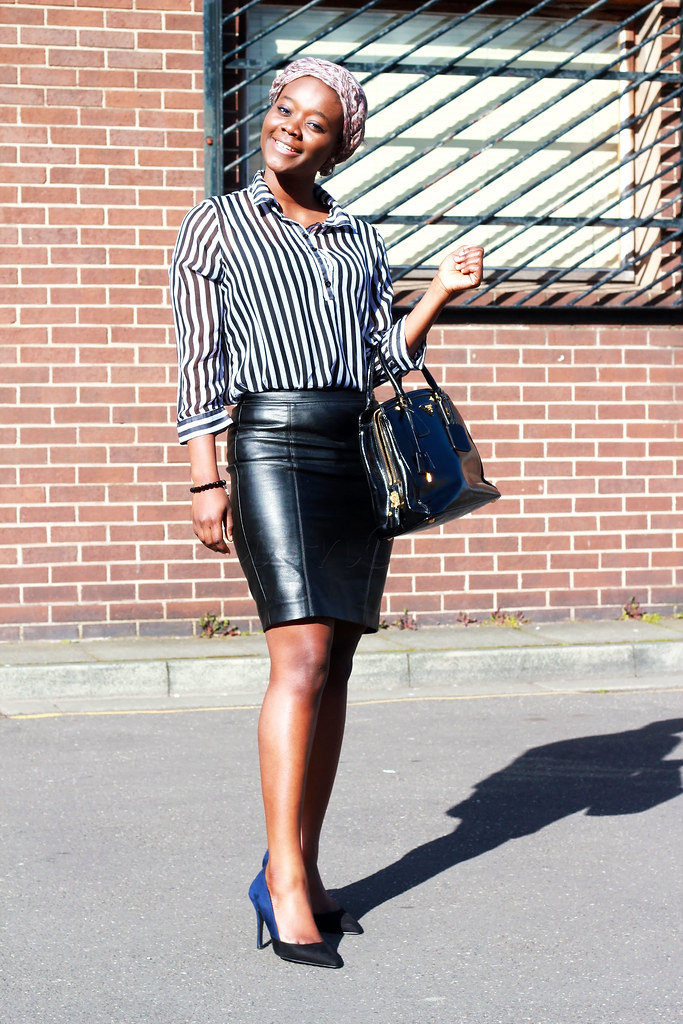 leather mini skirt, how to style leather mini skirt, dressing a leather skirt, leather trend, leather fashion trend, latest fashion trends