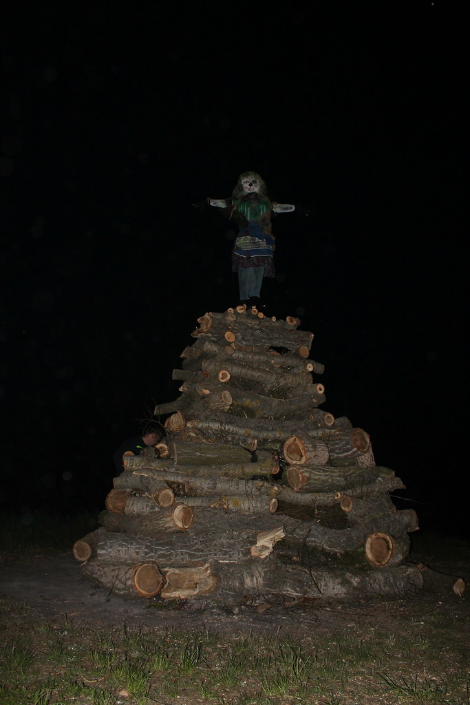 the effigy is ready on top of the pyre for Čarodějnice