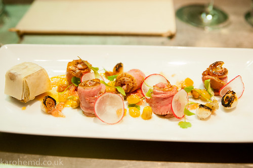 Curried gressingham duck breast, braised leg, blackened onions, pink grapefruit