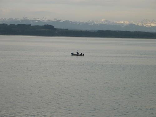 Le soir sur les rives à Neuchâtel