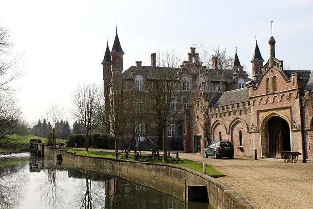 side view of castle