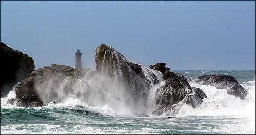 lighthouse brittany wave bretagne breizh vague phare bzh tempête finistère pharedufour littoral lefour porspoder iroise portsall penarbed glemoigne gilbertlemoigne legrandmelgorn