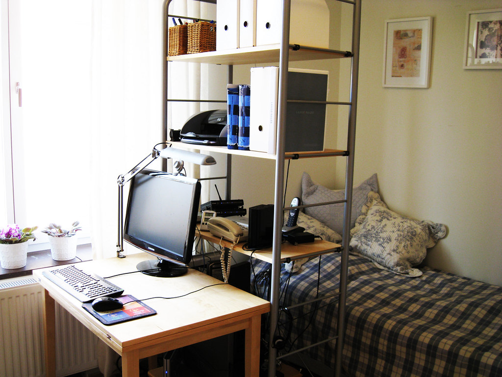 Home 6- - spare room