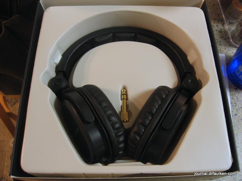 5fad21d176f ... Monoprice 8323 Premium Hi-Fi DJ Style Over-the-Ear Pro Headphone Review