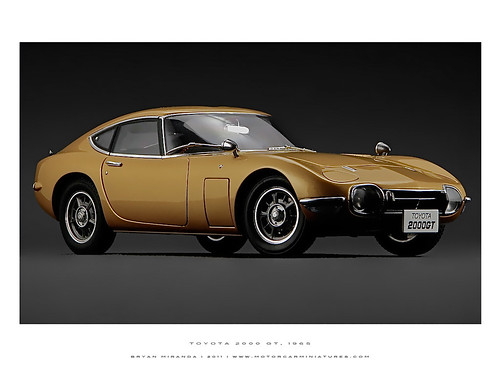 Toyota 1965 2000GT - Gold