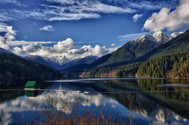 Perfection - Lake Capilano, Vancouver BC | 20 Reasons Why British Columbia is the Best Place on Earth | packmeto.com