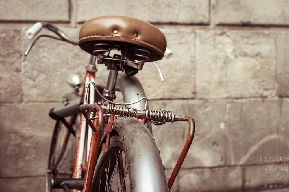 Red Old BCN Bike