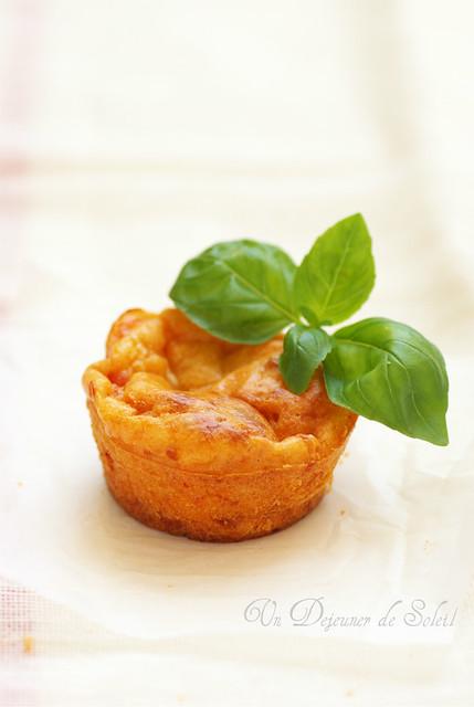 Muffins mozzarella pomodoro e basilico