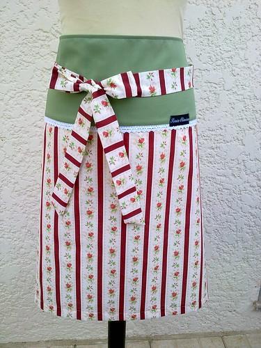 Modelo novo de avental em tom bordô by ♥Linhas Arrojadas Atelier de costura♥Sonyaxana