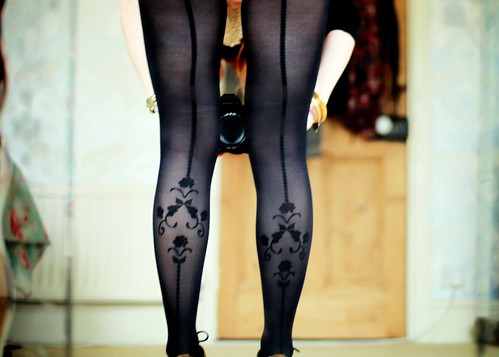 18.05.12 :: Ooh la la! #todayimwearing my darling #Elizabeth @redordeadlondon @TightsPlease Vintage Floral Pattern Backseam Tights