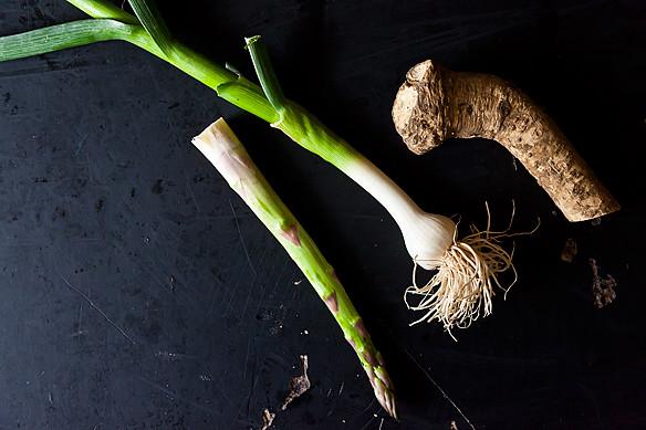 Aspargus with Young Garlic and Horseradish