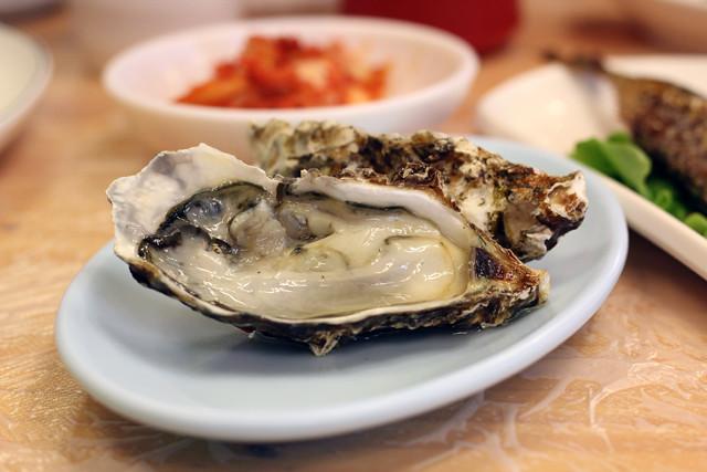 Fresh Oyster in Seoul!
