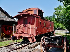 61112-173, Stagecoach, Caboose, & Freight Wagon