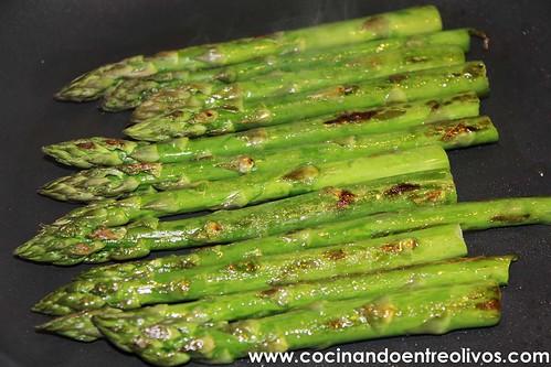 Espárragos verdes con vinagreta de mostaza www.cocinandoentreolivos (12)