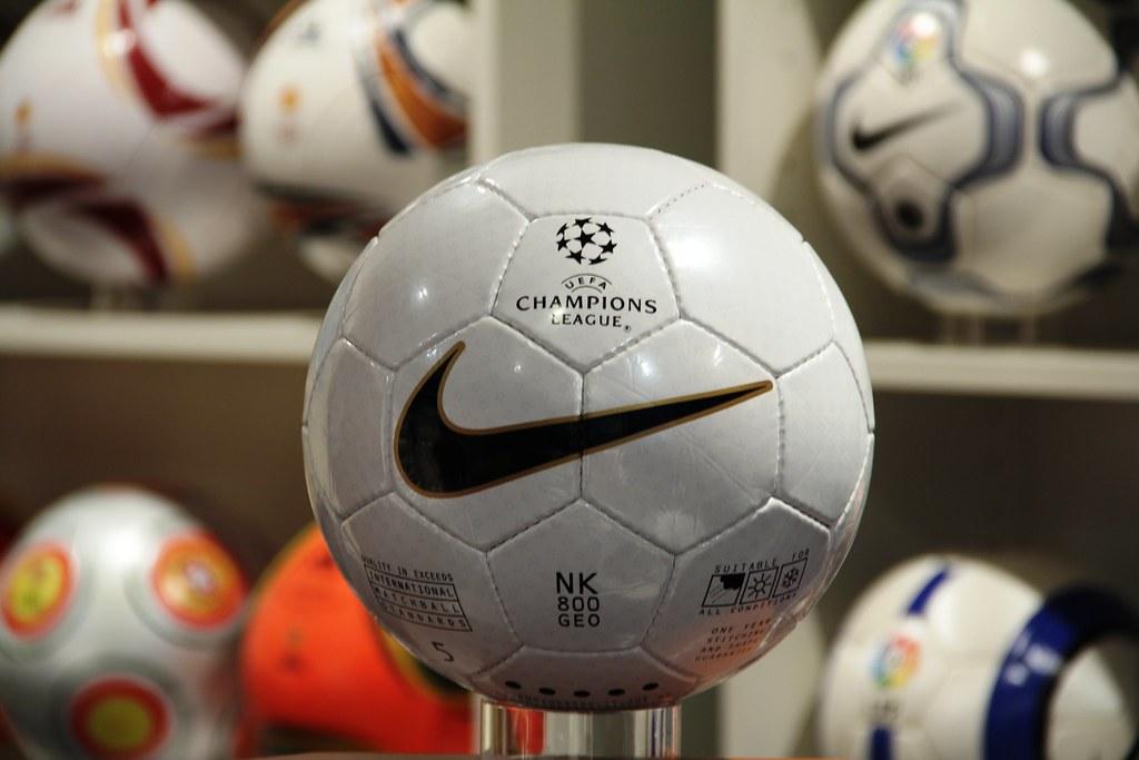 UEFA Champions League Final Match Ball 1999 Replica