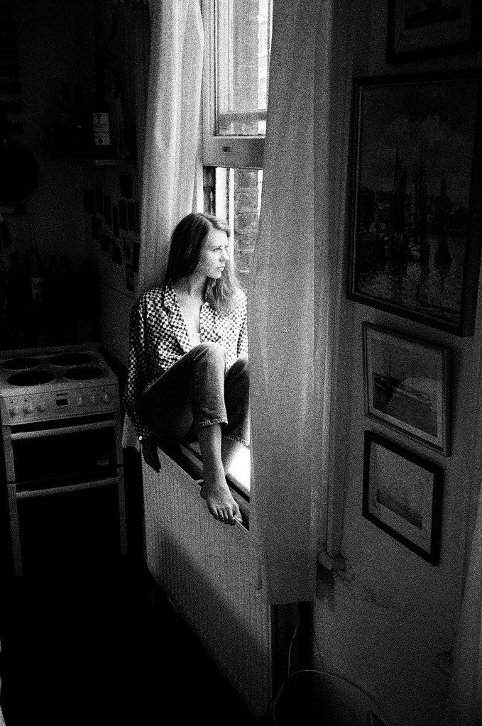 LE LOVE BLOG LOVE STORY LOVE PHOTO IMAGE GIRL WOMAN SITTING WINDOW SILL LOOKING OUT THE WINDOW THINKING RELATIONSHIP ABRUPTLY STOPS BUILT UP WALLS SHUT HER OUT NEED TO KNOW WHY NEED TO UNDERSTAND Untitled by Mafalda Silva, on Flickr