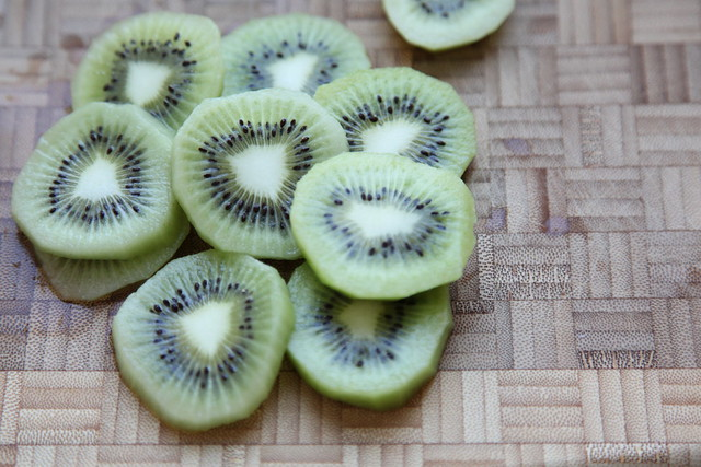 Sliced Kiwis 2