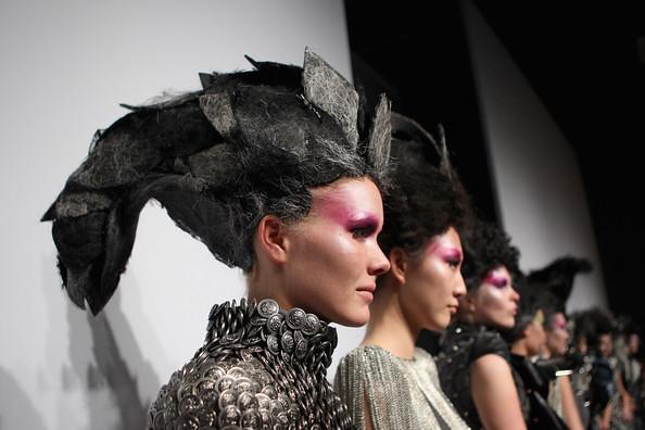 China+Fashion+Week+2012+13+W+Collection+Day+hTCqAoDi5ZYl