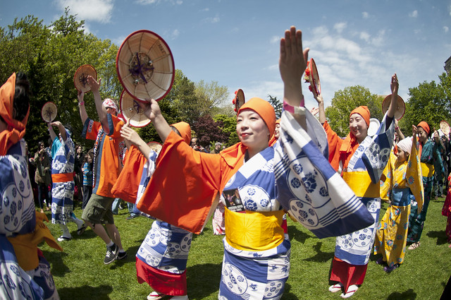 Hanagasa Odori, by the Japanese Folk Dance Institute of NY. Photo by Mike Ratliff.