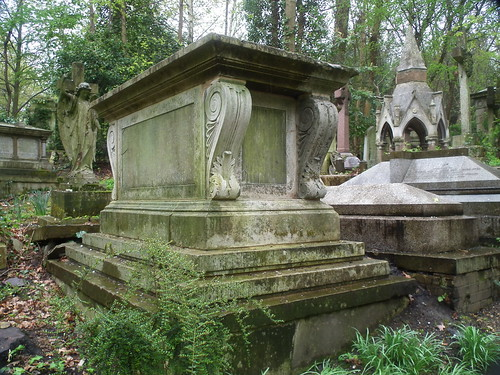 DSCF6863  Highgate Cemetery (West), London