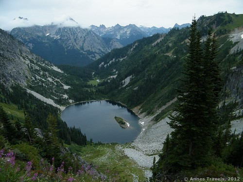 Maple Pass Loop, North Cascades National Park, Washington – one of many trails included on the Backpacker site