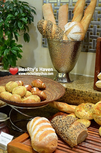 Market Cafe Hyatt Assorted Breads