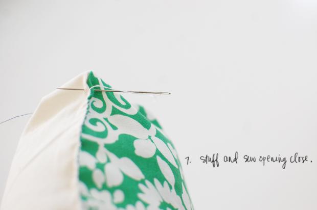 diy: speech bubble pillows