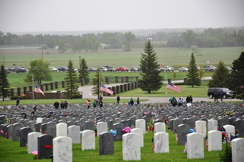 North Dakota Veterans Cemetery (by: ND National Guard, creative commons license)