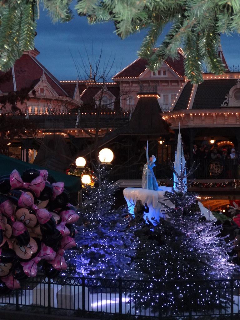 Un séjour pour la Noël à Disneyland et au Royaume d'Arendelle.... - Page 4 13695962854_f067e3484f_b
