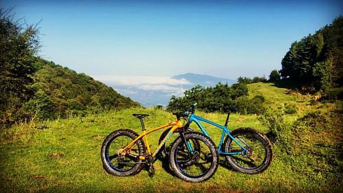 Ammirando il panorama  #Cilento #Salerno #Campania #Italia #Italy #Italia #Vallo #Lucania #Velia #Novi #NoviVelia #Parco #Nazionale #Gelbison #GroundControl #marshguard #Natura #Bici #fatbike #fatboy #specializedfat #fat #bike #specialized #felt #feltfat