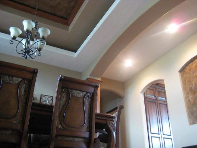 Tray ceiling niche italian venetian plaster italian for Dining room niche ideas