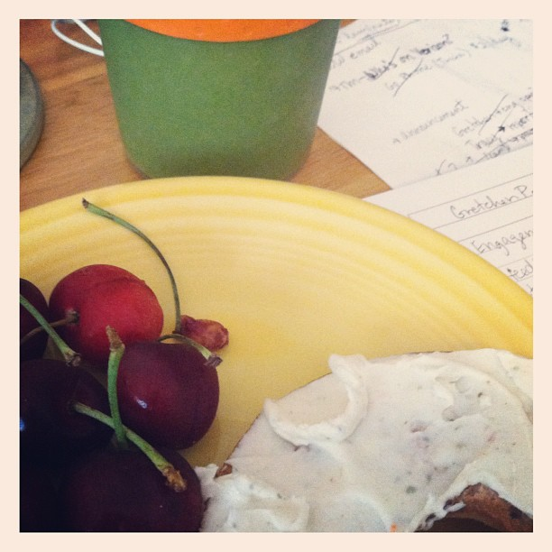 Green smoothie, sweet cherries and half bagel FTW