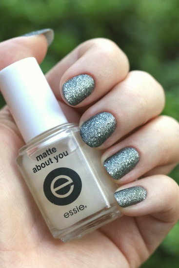China Glaze - Tinsel Town, matte