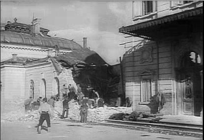 Gara de Sud Ploiesti bombardata 1944