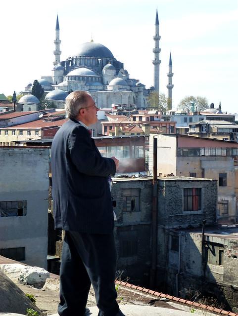 Istanbul - avril 2012 - jour 3 - 086 - Valide Han (Çakmakçılar Yokuşu Tarakçılar Cad) Sûleymaniye Camii