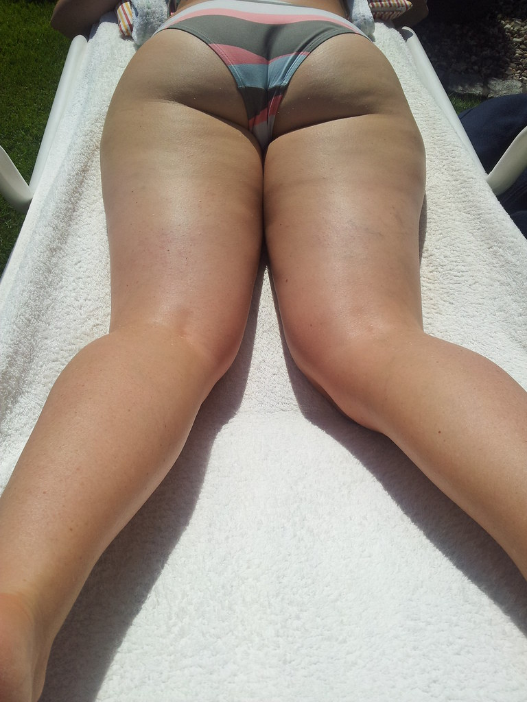 Extreme slingshot bikini