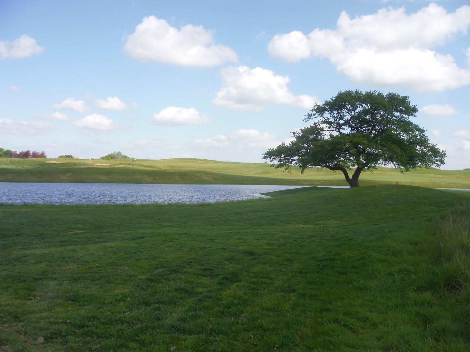 Oxfordshire Golf Club (I) SWC Walk 190 - Thame Circular