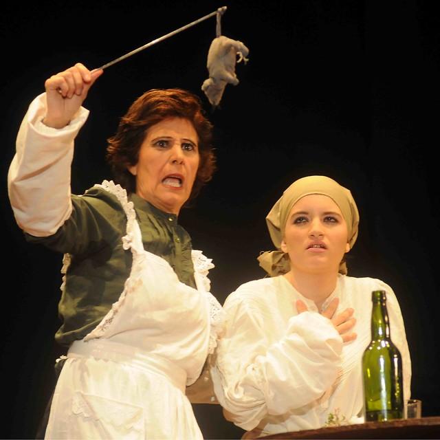 V semana cultural de teatro obra la cocina de nicole a for Teatro la cocina