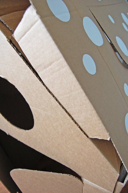 Cardboard house_002