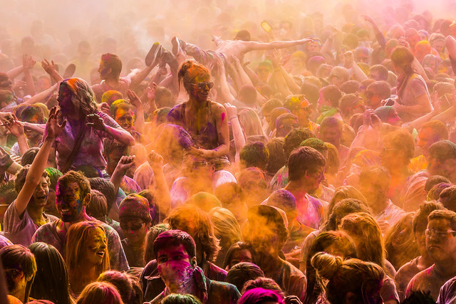 7002066292 ea4f30b55d z 15 Amazing Images Of The Festival of Colors